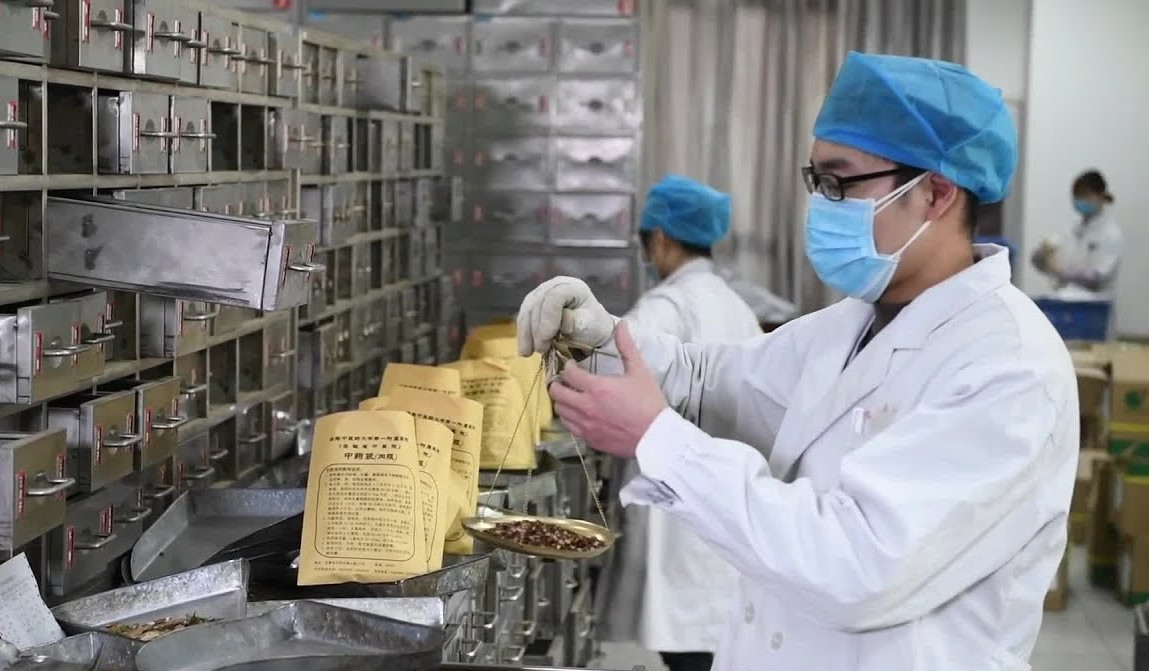 in-some-chinese-hospitals,-traditional-chinese-medicine-is-widely-used-to-treat-covid-19.