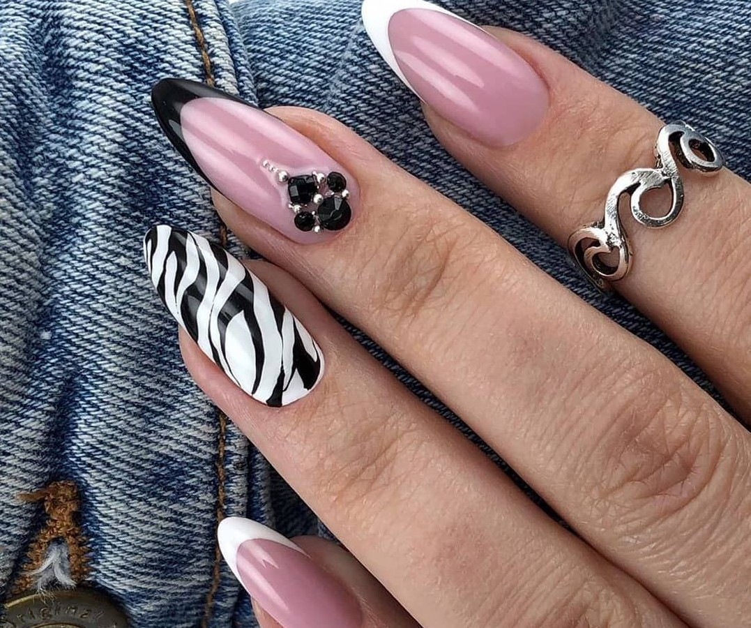 zebra-manicure:-top-5-animal-design-ideas