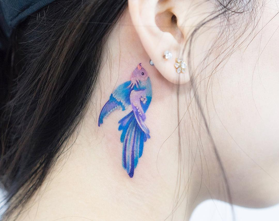 tattoo-behind-the-ear:-stylish-ideas-for-men-and-women