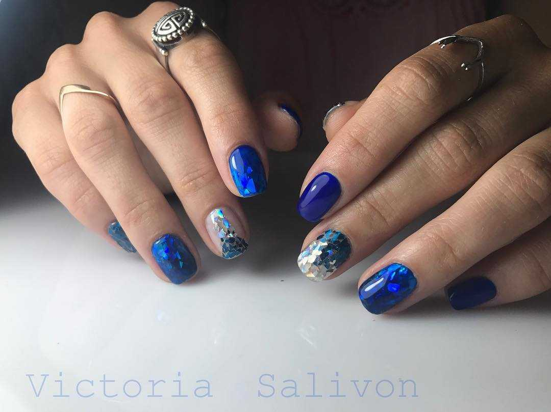 manicure-with-mica:-interesting-news-of-nail-design-in-the-photo