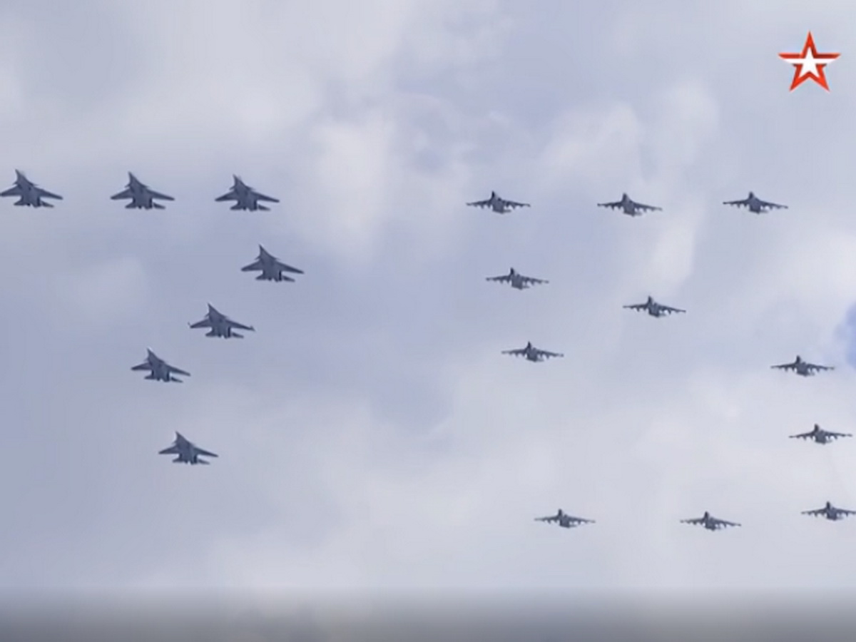 victory-air-parade-may-9-in-moscow