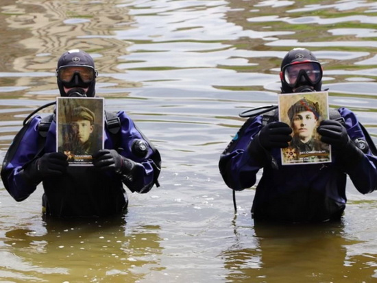 """show-grandfather-to-fishes?"":-the-rally-of-the-oryol-divers-""immortal-regiment""-at-the-depths-of-the-oka-river-was-criticized-on-the-web"