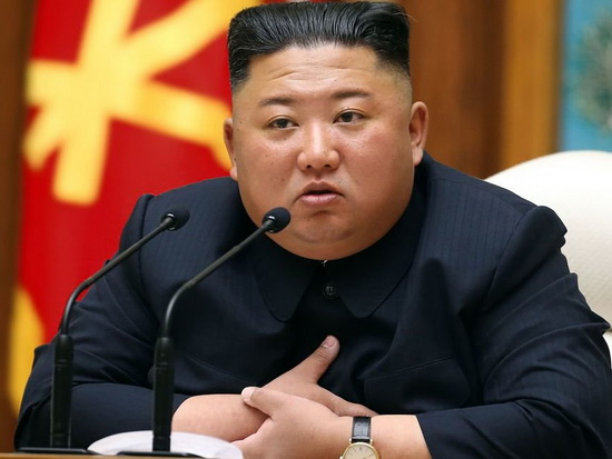 photo-kim-jong-un-with-a-double-hit-the-net