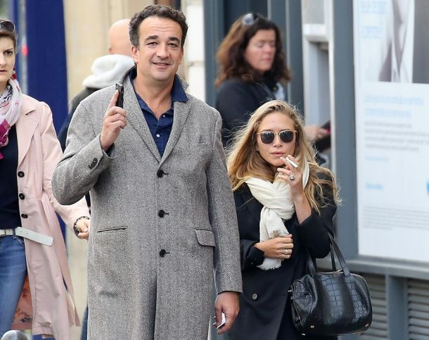 husband-millionaire-filed-for-divorce-and-chases-mary-kate-olsen-from-home