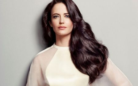 """we're-like-birds-on-stilts"":-eva-green-criticized-high-heeled-shoes"