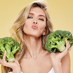 star-tips-on-how-to-be-slim-and-healthy:-greens-–-for-the-skin,-soup-puree-–-for-satiety