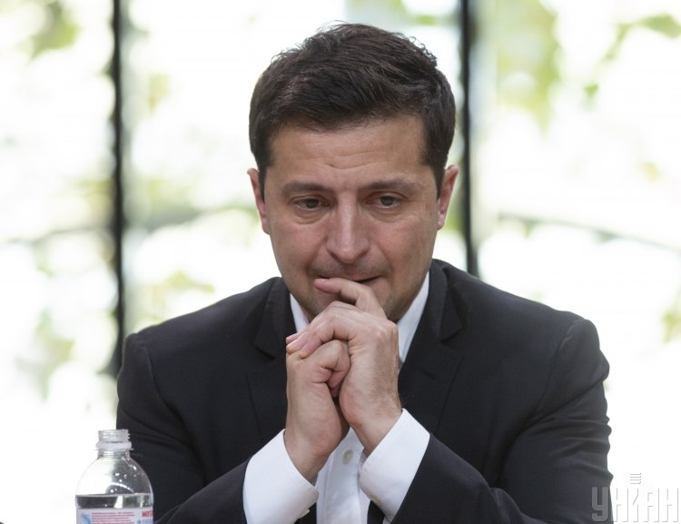 """in-the-footsteps-of-poroshenko:-when-zelensky-is-crushed-by-a-""""snowball""""-of-negativity"""