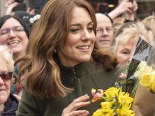 on-a-flower-bed-in-work-clothes.-duchess-of-cambridge-released-new-photo