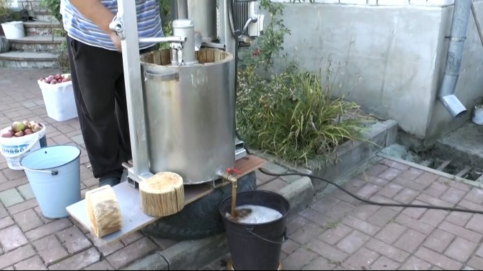 How to make a powerful juicer and solve the problem with a bunch of apples
