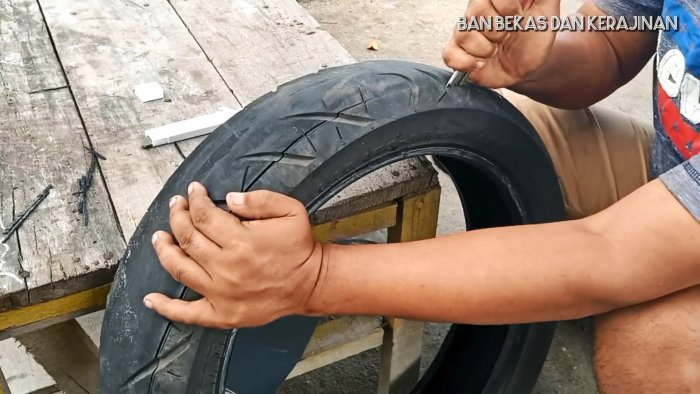 How to make eternal flip flops out of an old tire