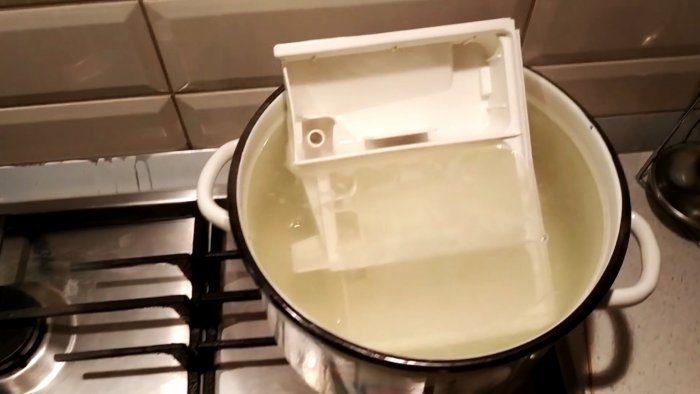 How to wash a washing machine tray with the most stubborn deposits if nothing takes them