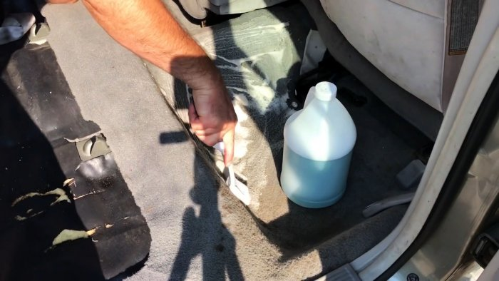 Carpet cleaning process in the car
