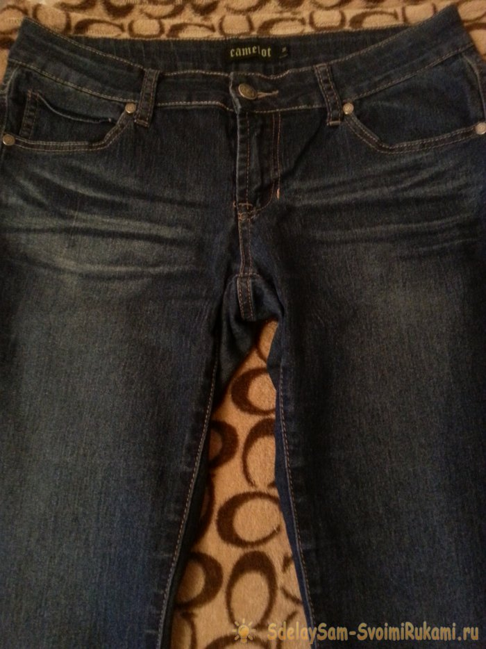 How to wash jeans so they retain their color after washing