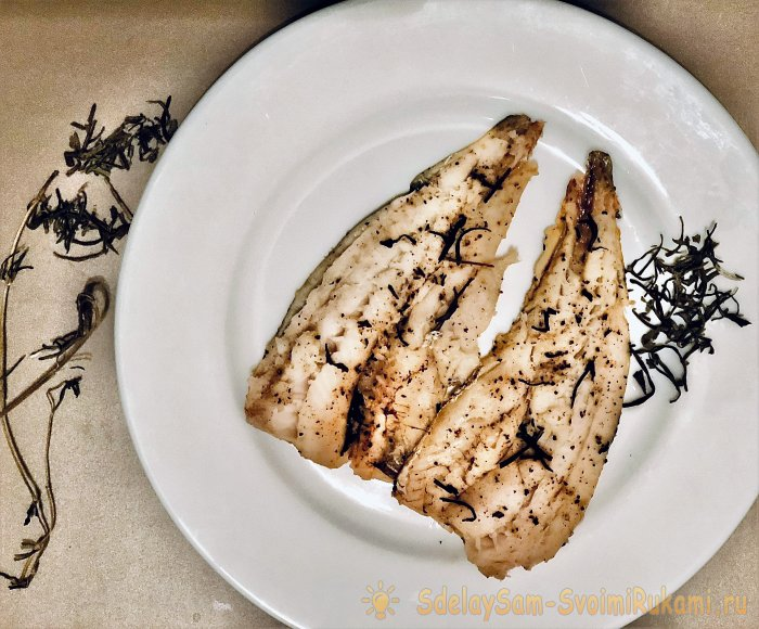 We bake hake in the oven quickly healthy and tasty