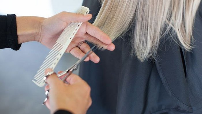Why some women shouldn't leave gray hair