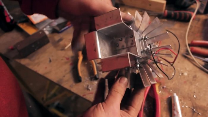 Homemade generator to generate electricity from the heat of a candle