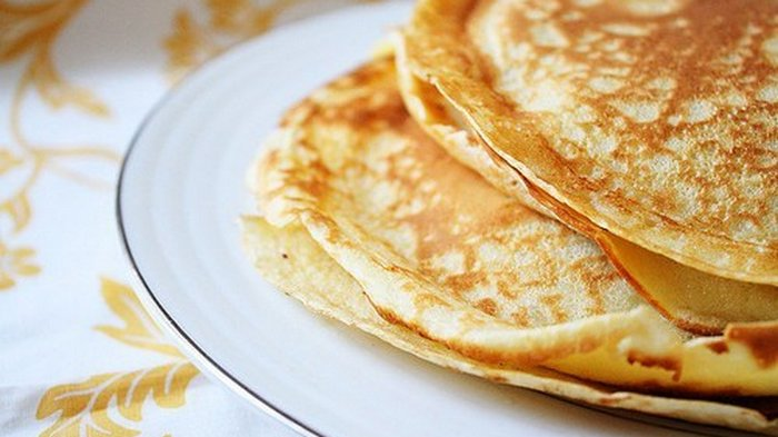 How to make thin pancakes in water