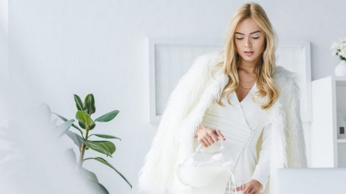 Why white outfits are appropriate in winter
