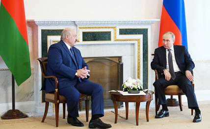 Photo: Russian President Vladimir Putin and Belarusian President Alexander Lukashenko (from right to left) during a meeting.