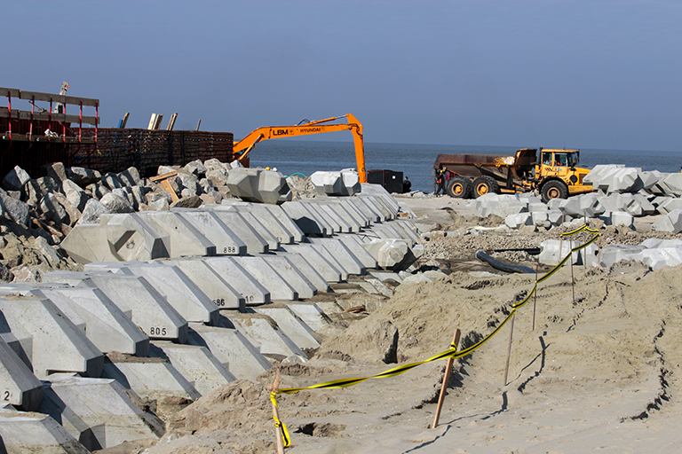 In the photo: work is underway at the section of the Vistula Spit.