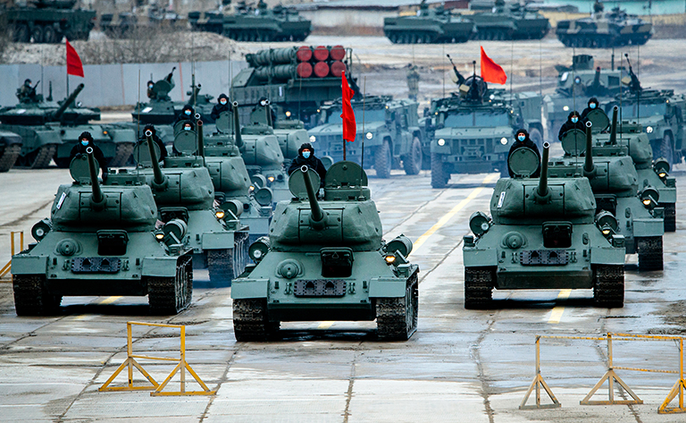 In the photo: T-34-85 tanks.