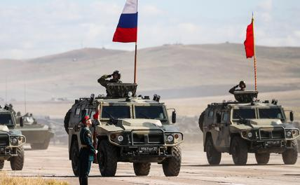 In the photo: during military maneuvers of the Russian and Chinese armed forces.