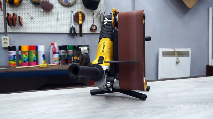 Do-it-yourself miniature and functional grinder for the grinder